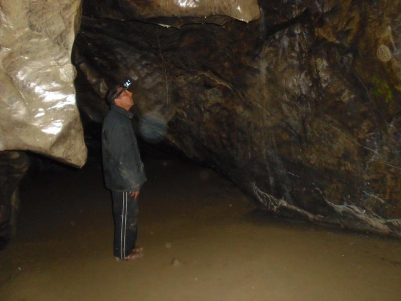 Interior cueva del Eremita